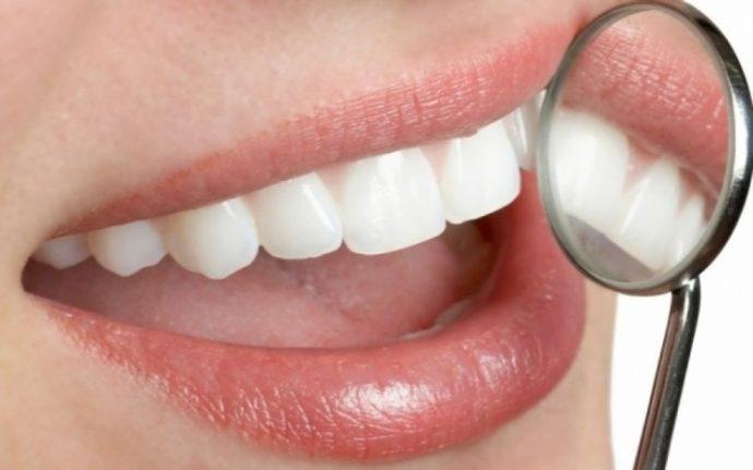 Ραντεβού με στραβά δόντια