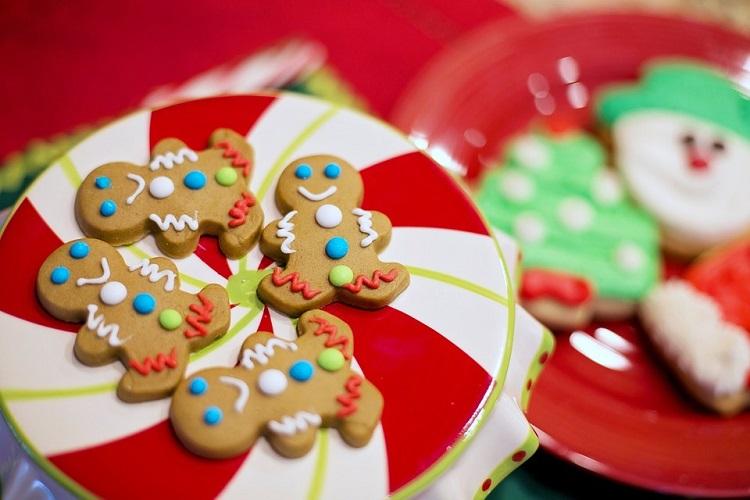 Χριστουγεννιάτικα μπισκότα χωρίς ζάχαρη
