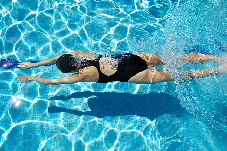 Κολύμβηση: Γιατί θεωρείται η καλύτερη μορφή άσκησης για όσους πάσχουν από Διαβήτη