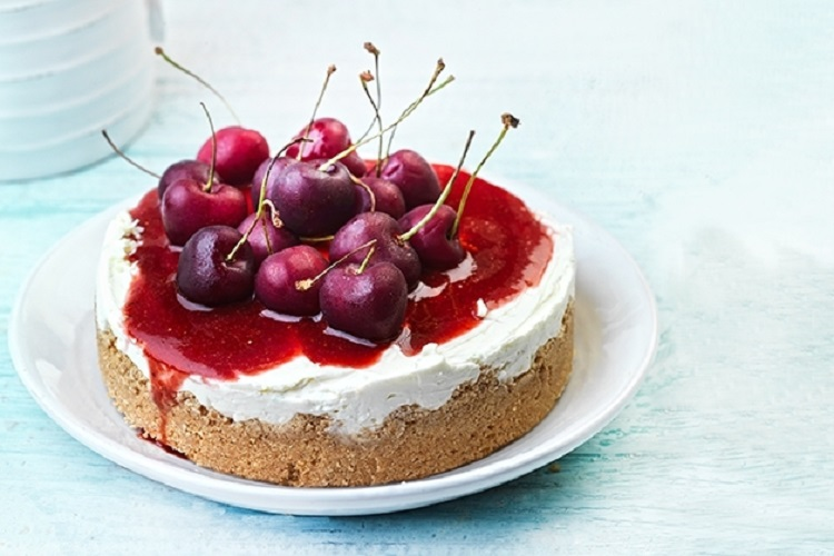 Εύκολο cheesecake χωρίς ζάχαρη, από την Αργυρώ Μπαρμπαρίγου