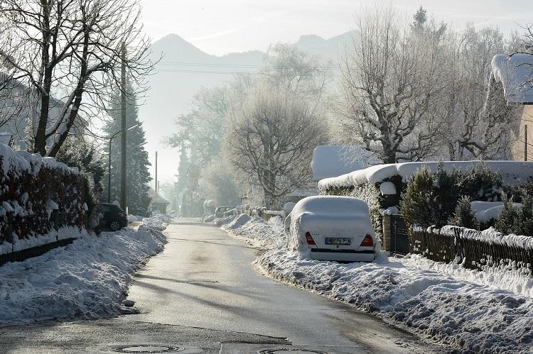 ΓΣΕΕ: Οδηγίες για την υγεία & ασφάλεια των εργαζομένων σε συνθήκες ψύχους, χιονοπτώσεων και παγετού