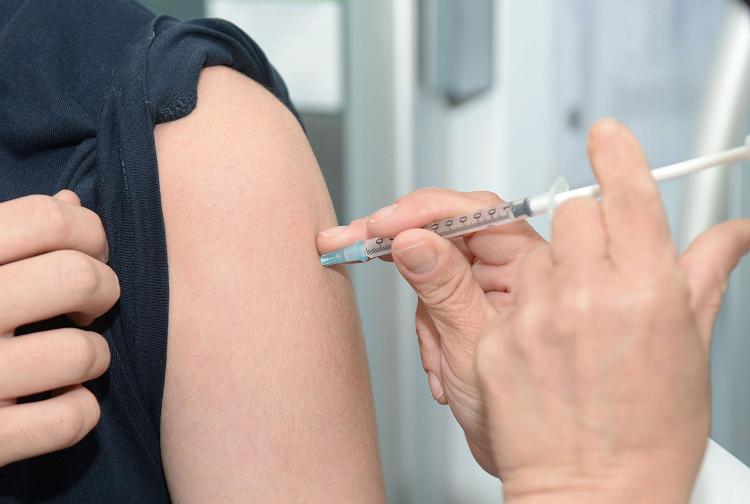 Γρίπη: Aυξημένες ανάγκες για κλίνες σε ΜΕΘ. Άμεση εισαγωγή επιπλέον 50.000 αντιγριπικών εμβολίων