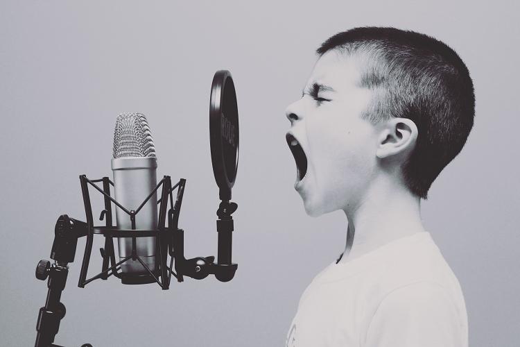 Παγκόσμια Ημέρα Φωνής: 8 τρόποι να την προστατέψουμε!