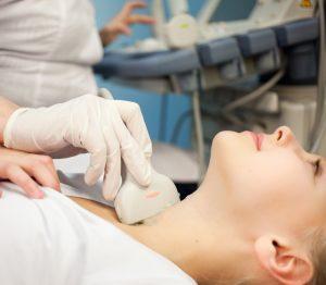Νόσος Hashimoto: Μειώνει η θυρεοειδεκτομή τα συμπτώματα;