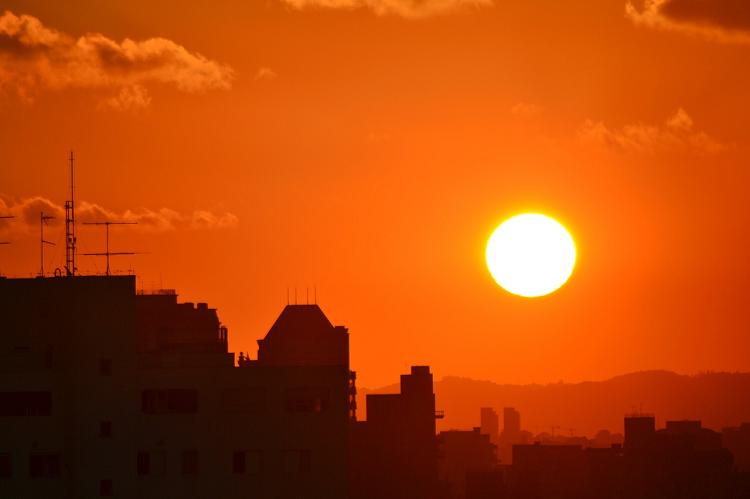 Έρχεται καύσωνας – ποιά τα μέτρα προστασίας