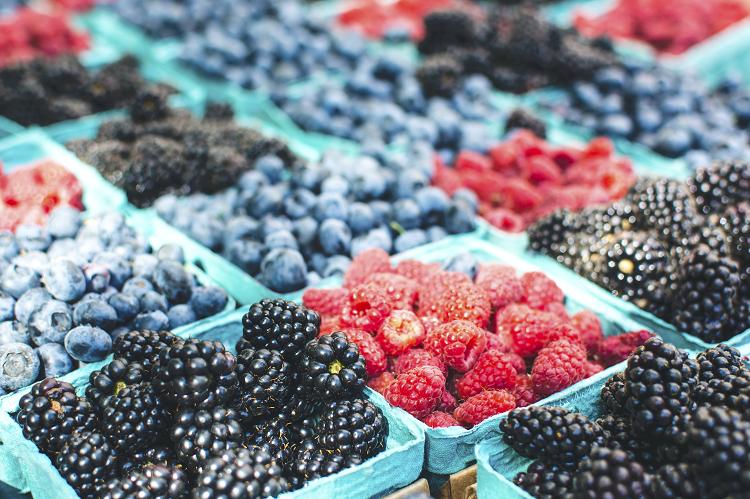 Πολυφαινόλες: Τι είναι και γιατί δεν πρέπει να λείπουν από τη διατροφή σας